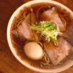 アッツアツの鴨だしスープが魅力。「中華そば しば田」(東京都調布市)